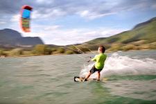Pur: Kitesurfing am Kalterer See