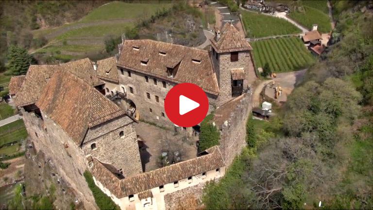 Schloss Runkelstein bei Bozen aus der Luft
