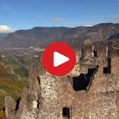 Le rovine di Castelchiaro riprese dall'alto