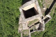 Rovine di Castel Neuhaus riprese dall'alto