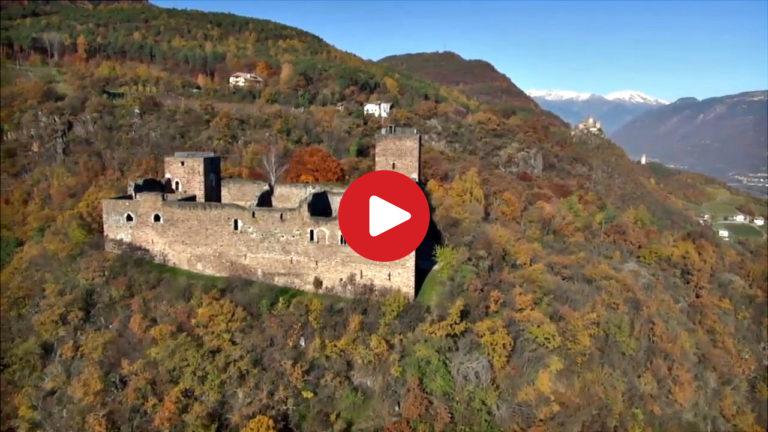 Schloss Boymont in Eppan aus der Luft